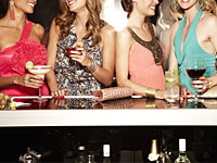 women-drinking-bar