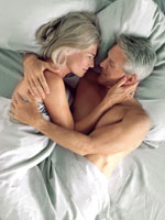 senior-couple-bed-sex-pain