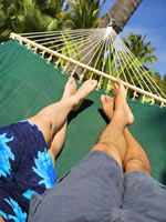 hammock-legs-vacation-couple