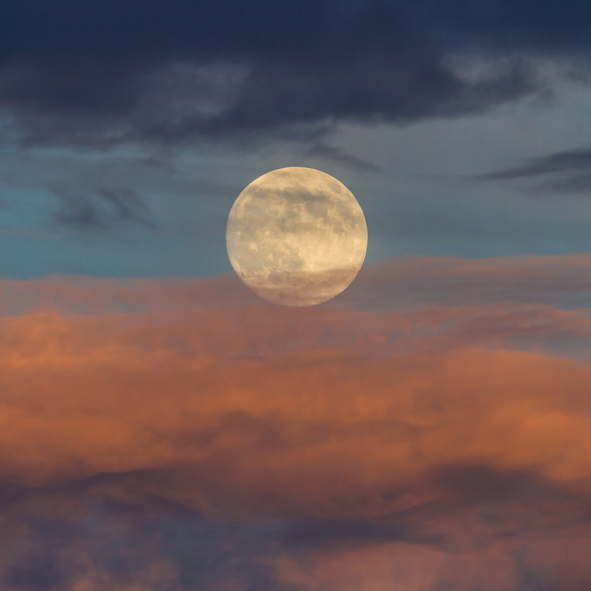 This Is How Tonight S Rare Strawberry Moon Might Affect