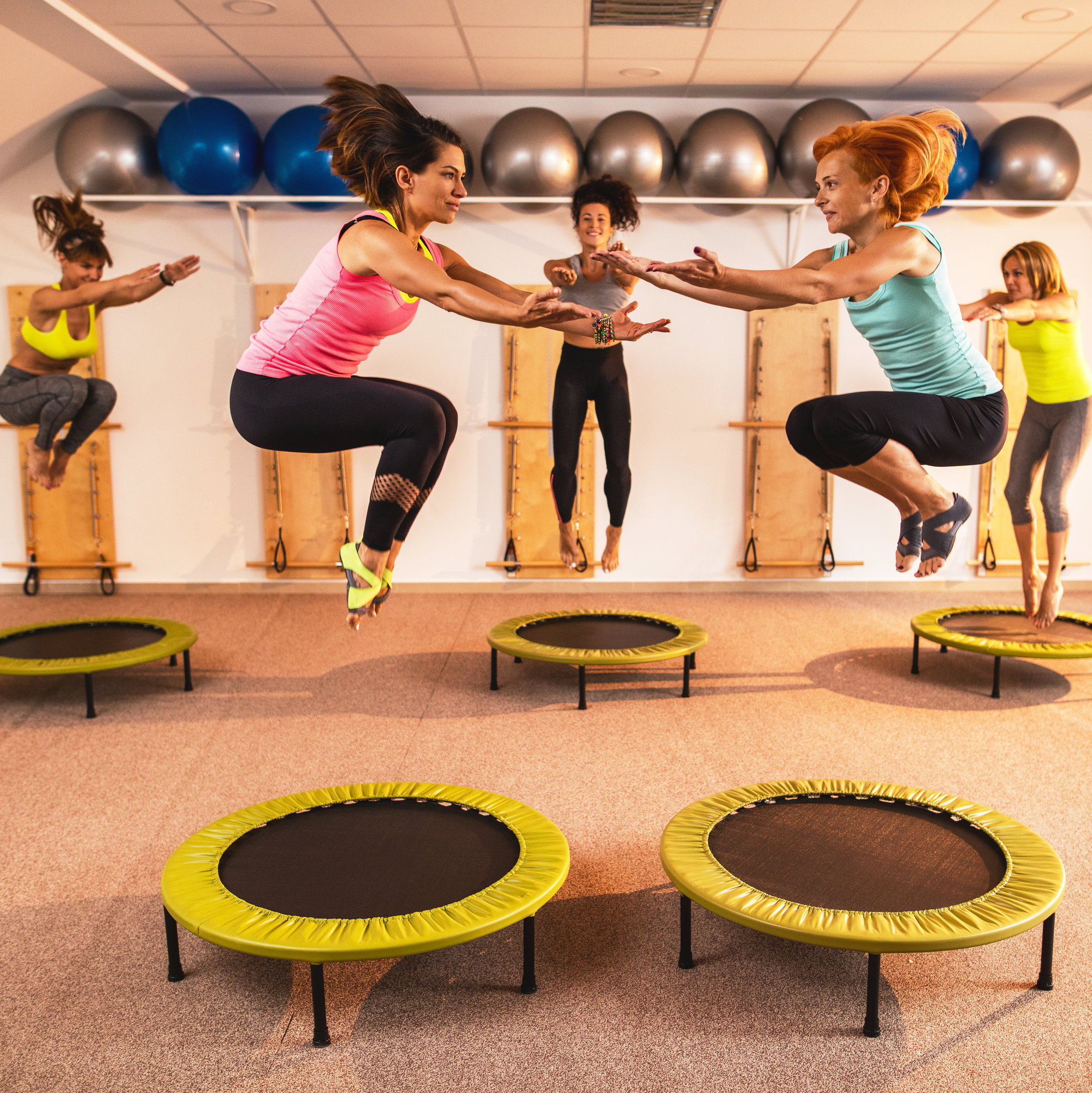 trampoline workout with the bari studio - fitness