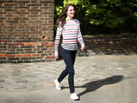 Manu Divers|Healthy Diet, Healthier plane-The Comfy Sneakers That Kate Middleton, Kelly Ripa, and More Celebs Love Are on Sale at Amazon