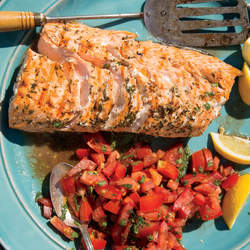 grilled-salmon-tomato-basil-relish