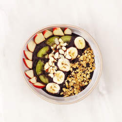how-to-make-an-acai-smoothie-bowl-video