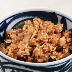 how-to-make-cranberry-cinnamon-oatmeal-video