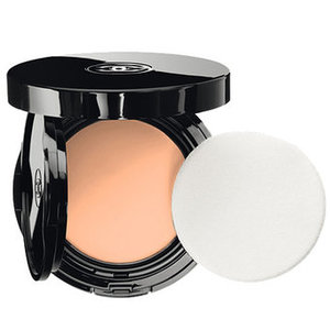 Vitalumière Aqua Fresh and Hydrating Cream Compact