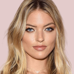 martha-hunt-smokey-eye