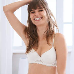 The Best Cooling Bras for Hot Summer Days 3903f0862