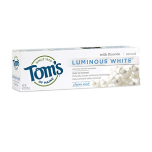 natural-teeth-whitening-toms