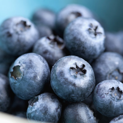 look-younger-foods-blueberry-video