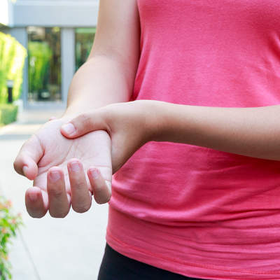 psoriatic-arthritis-wrist-pain-outdoors