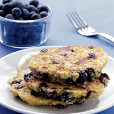 blueberry-pancakes-maple-yogurt