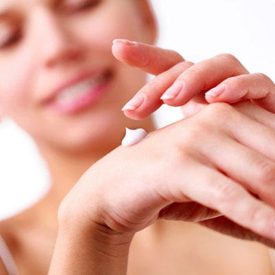 hand-lotion-healthy
