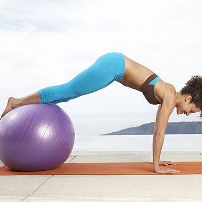 flat-belly-curl-plank-workout