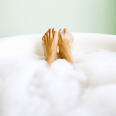 feet-bubble-bath