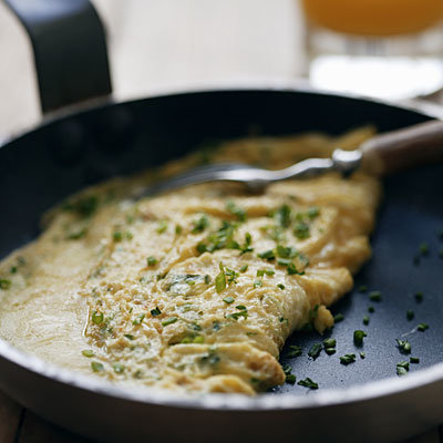 cooking-omelet-pan