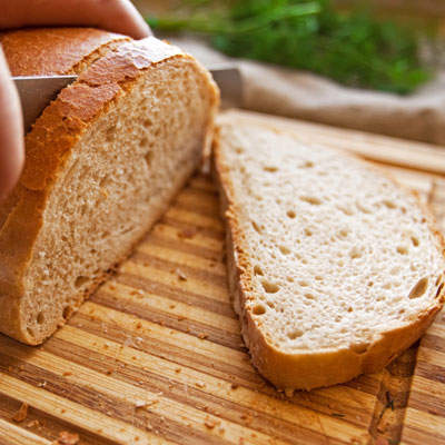 whole-grain-bread-cutting