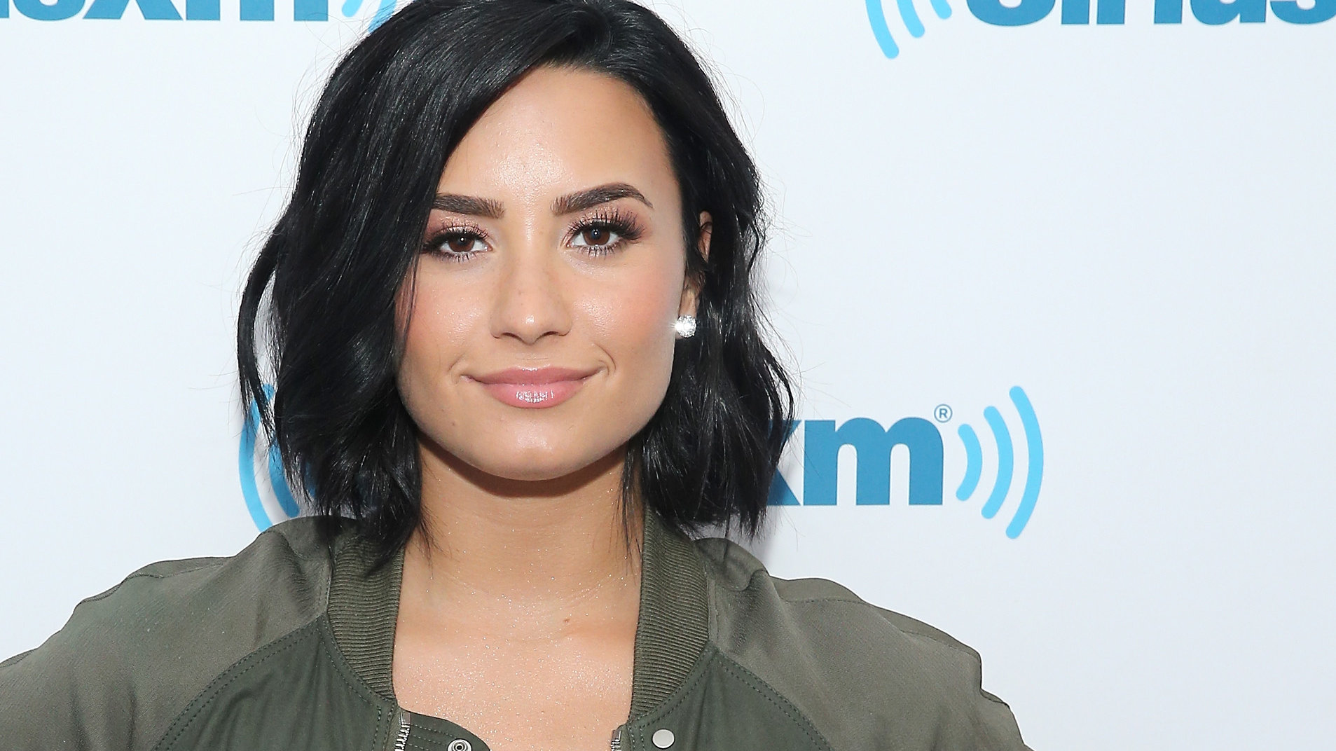 Demi Lovato's Makeup-Free Selfie Embraces Her Freckles