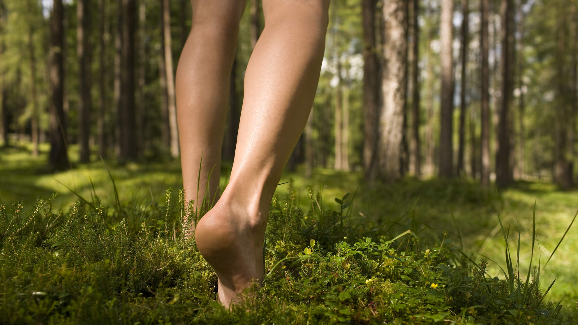 poison-ivy-walking-barefoot
