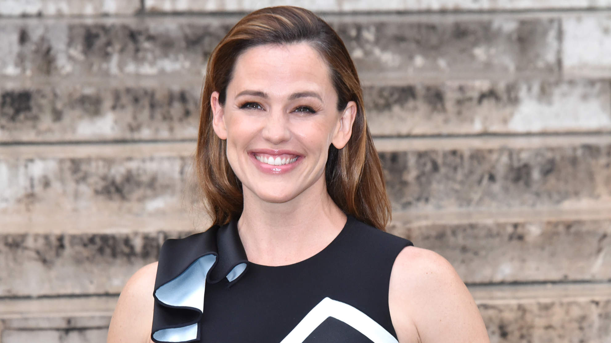 Jennifer Garner Shows Off Ripped Arms After Getting In Shape for New Action-Packed Role