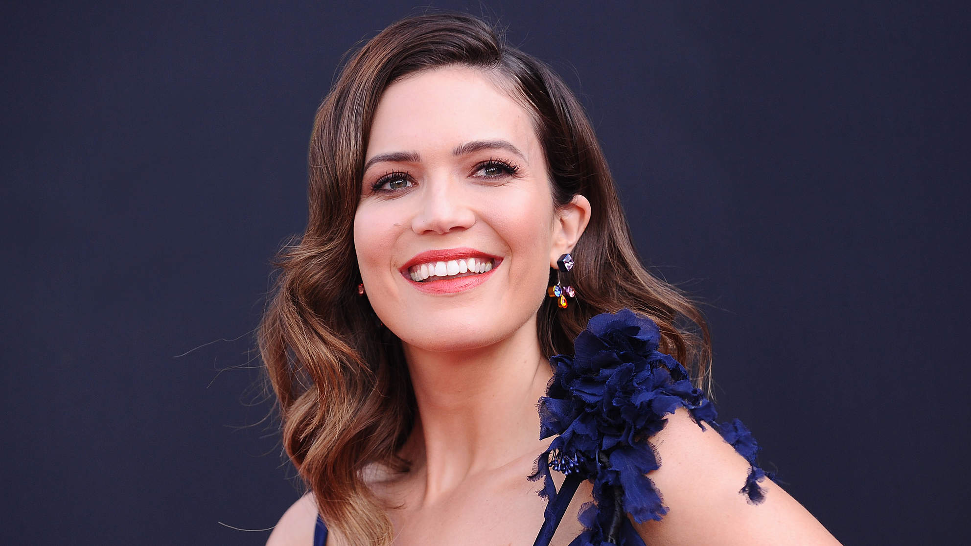 The This Is Us Super Bowl Episode Is So Sad, Mandy Moore Needed Under-Eye Masks After Watching It