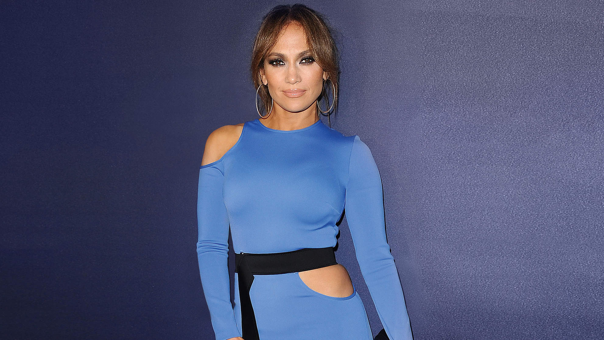 The Secret to J.Lo's Incredible Abs, According to Her Trainer