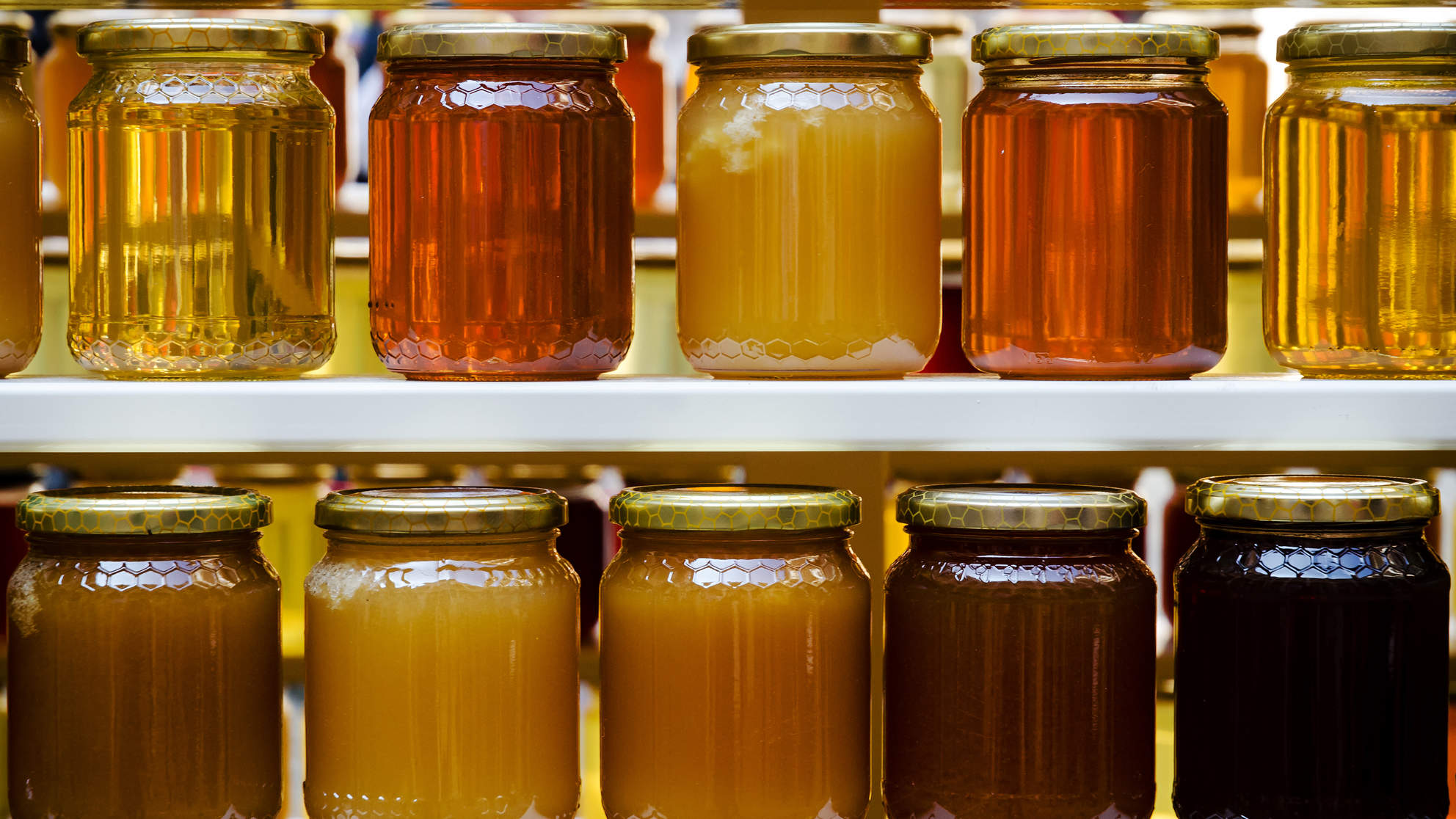jars of honey syrup and other natural sweeteners manuka honey