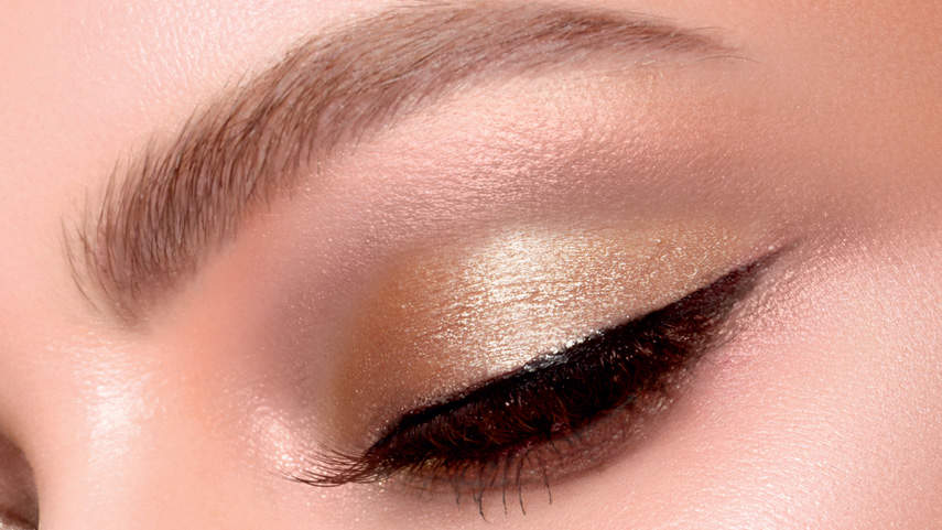 The Beauty Product That Gives Me a Complete Eye Look in Just One Swipe