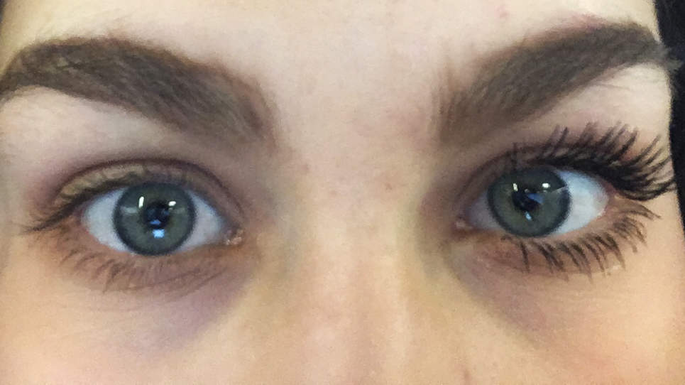 julia-pur-mascara-two-coats
