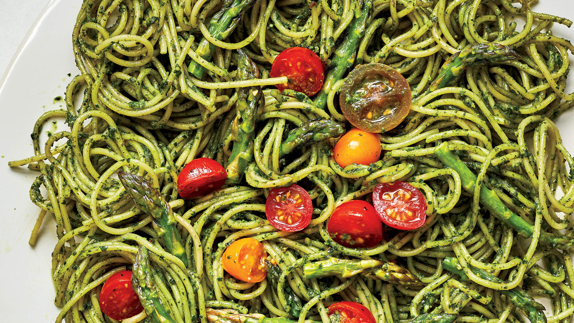 spinach-walnut-pesto-noodles-power-up