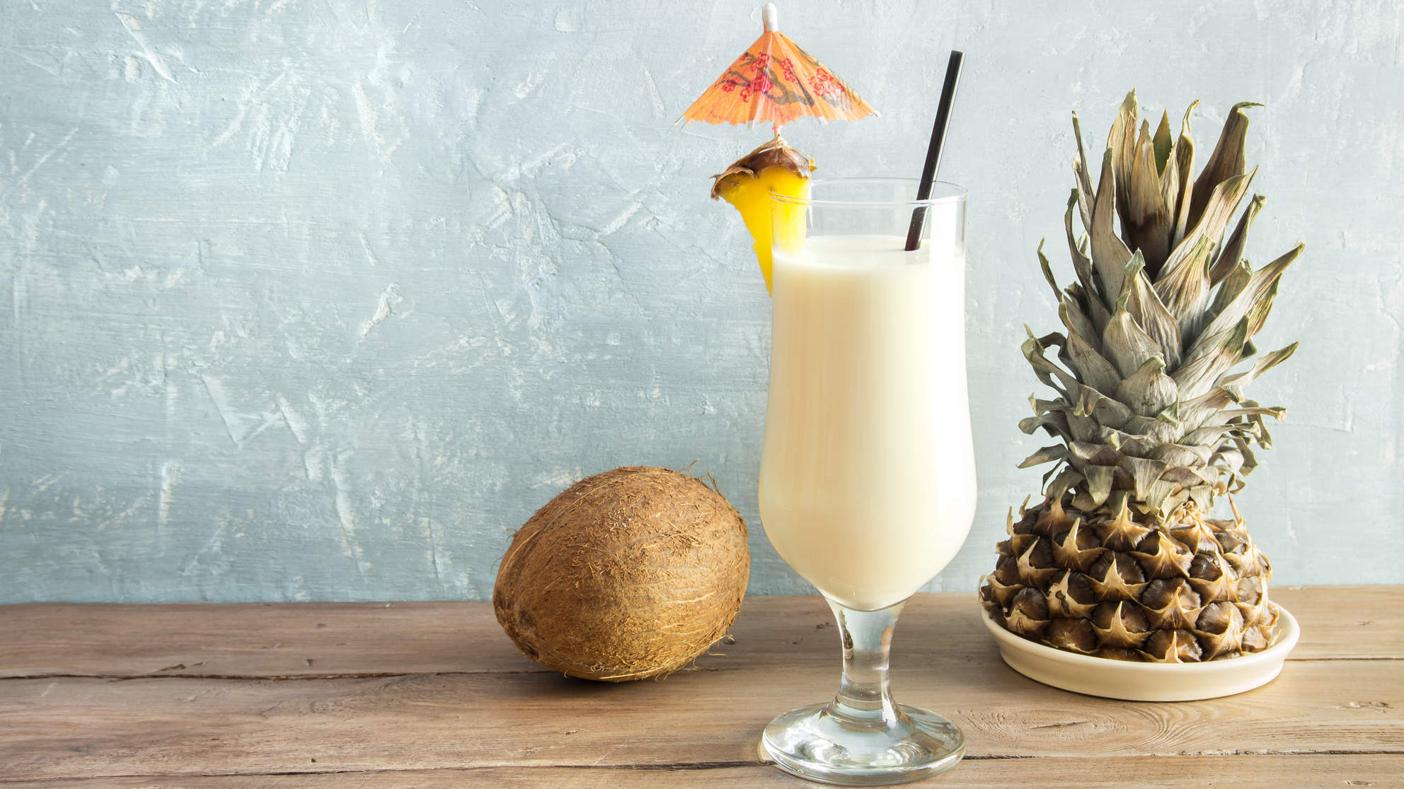 frozen-pina-colada-summer-cocktails