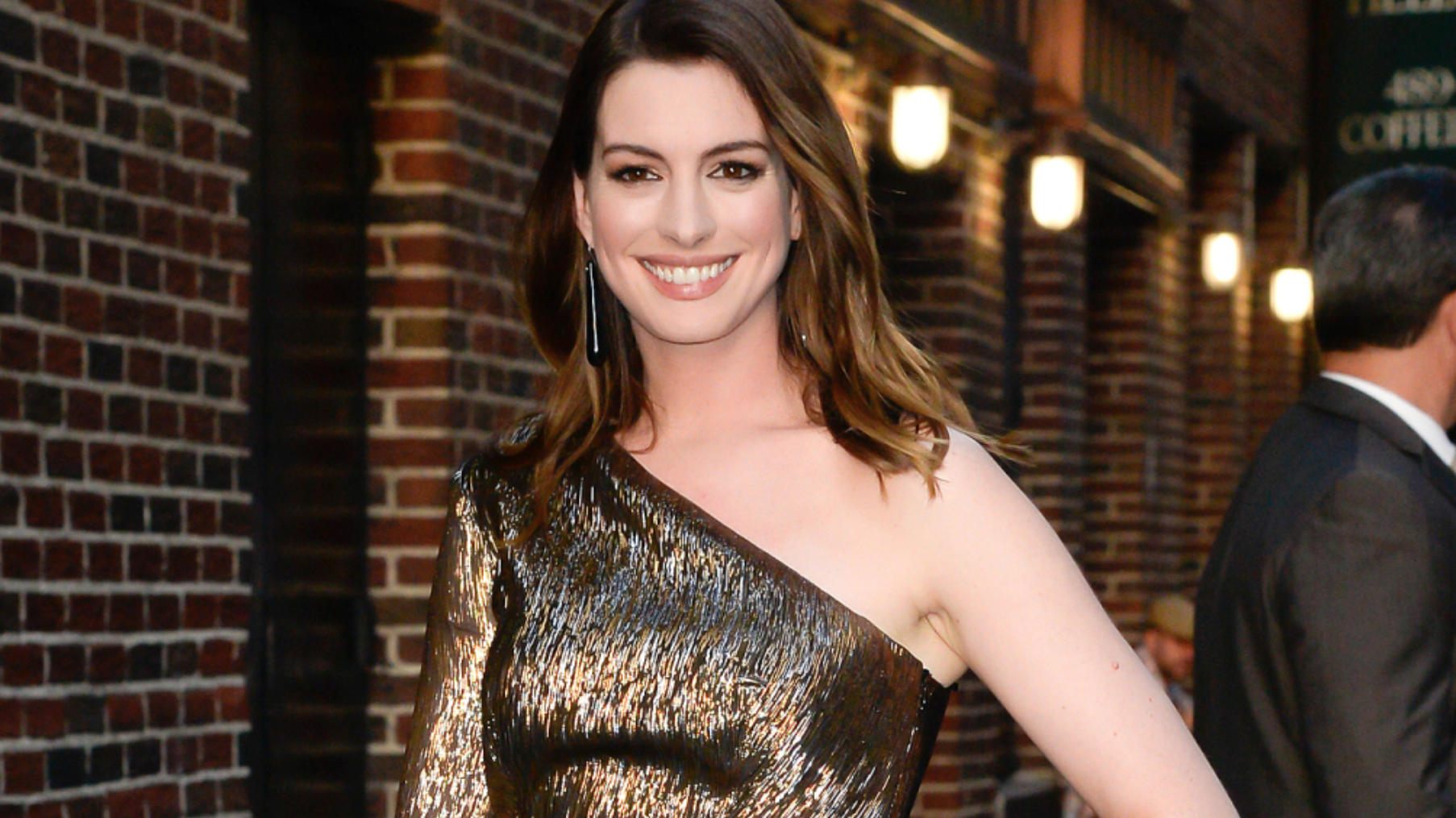 Anne Hathaway Felt Compelled to Explain Her Weight Gain to Avoid 'Pregnancy Rumors'