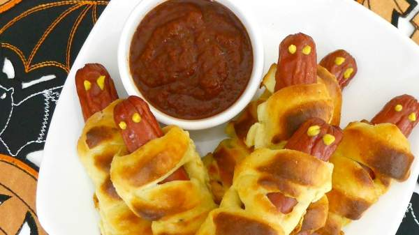 low-carb-mummy-dogs