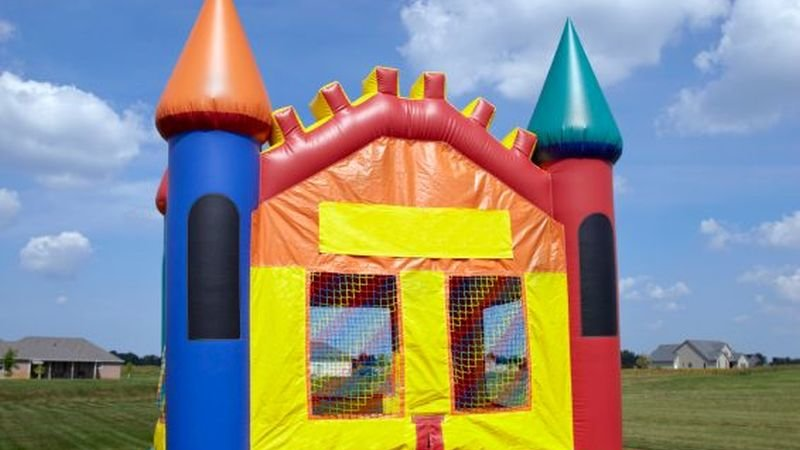 inflatable bounce houses may be dangerously hot for kids - Inflatable Bounce House
