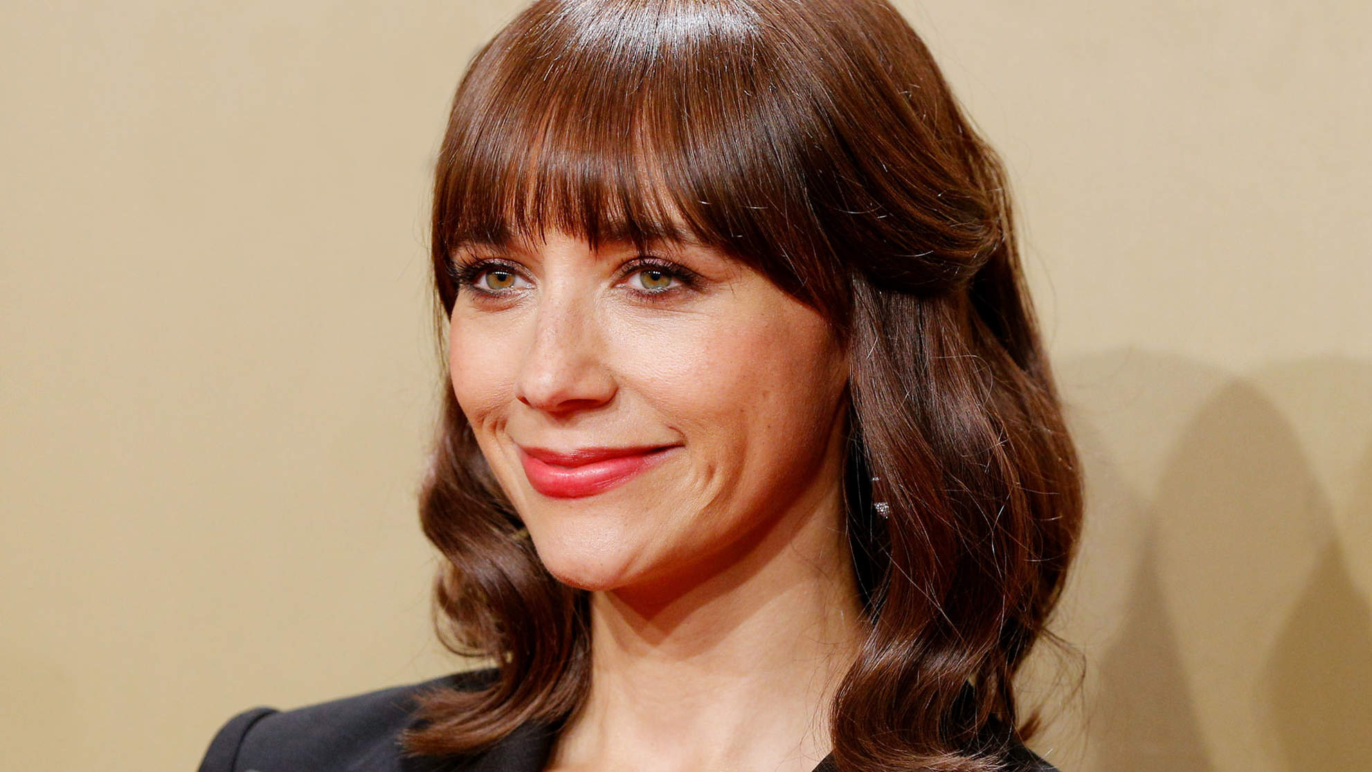 Rashida Jones Shuts Down Critics of the Golden Globes Red-Carpet Blackout