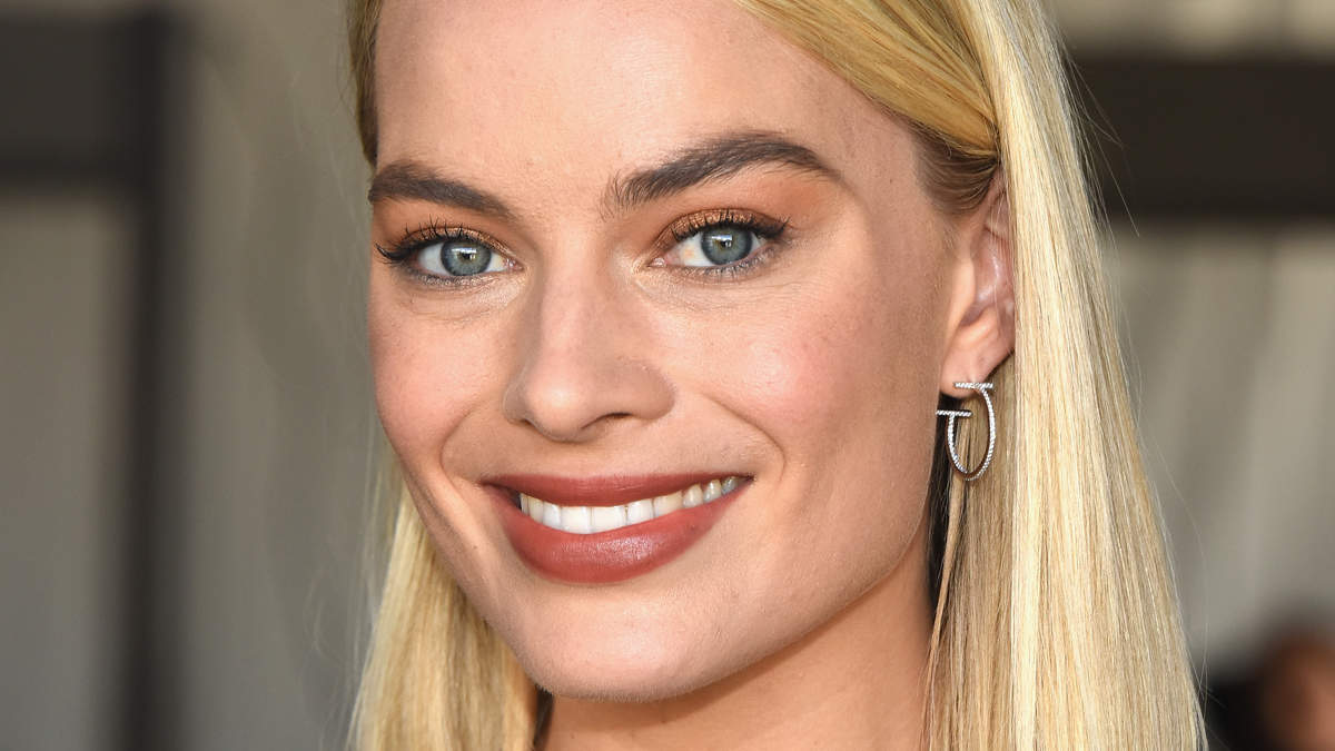Margot Robbie Debuted Spring's Hottest Haircut at the 2018 Oscars