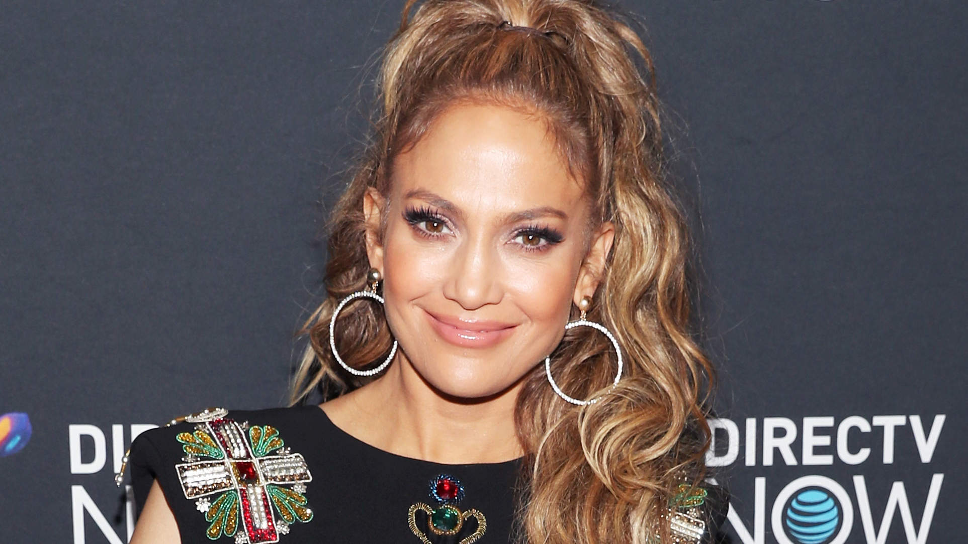 Jennifer Lopez Posts Ab-Filled Gym Selfie Ahead of Her 49th Birthday