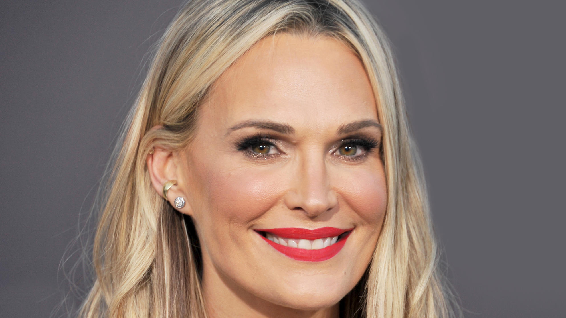 Molly Sims Never Skips This Anti-Aging Skincare Step