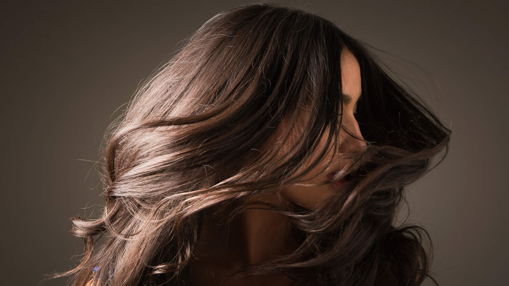 This Is the Best Dry Shampoo for Brunettes