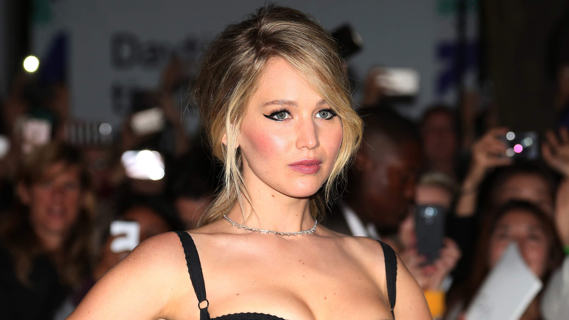 Jennifer Lawrence Tried to Jump Out of a Plane Because of Her Anxiety
