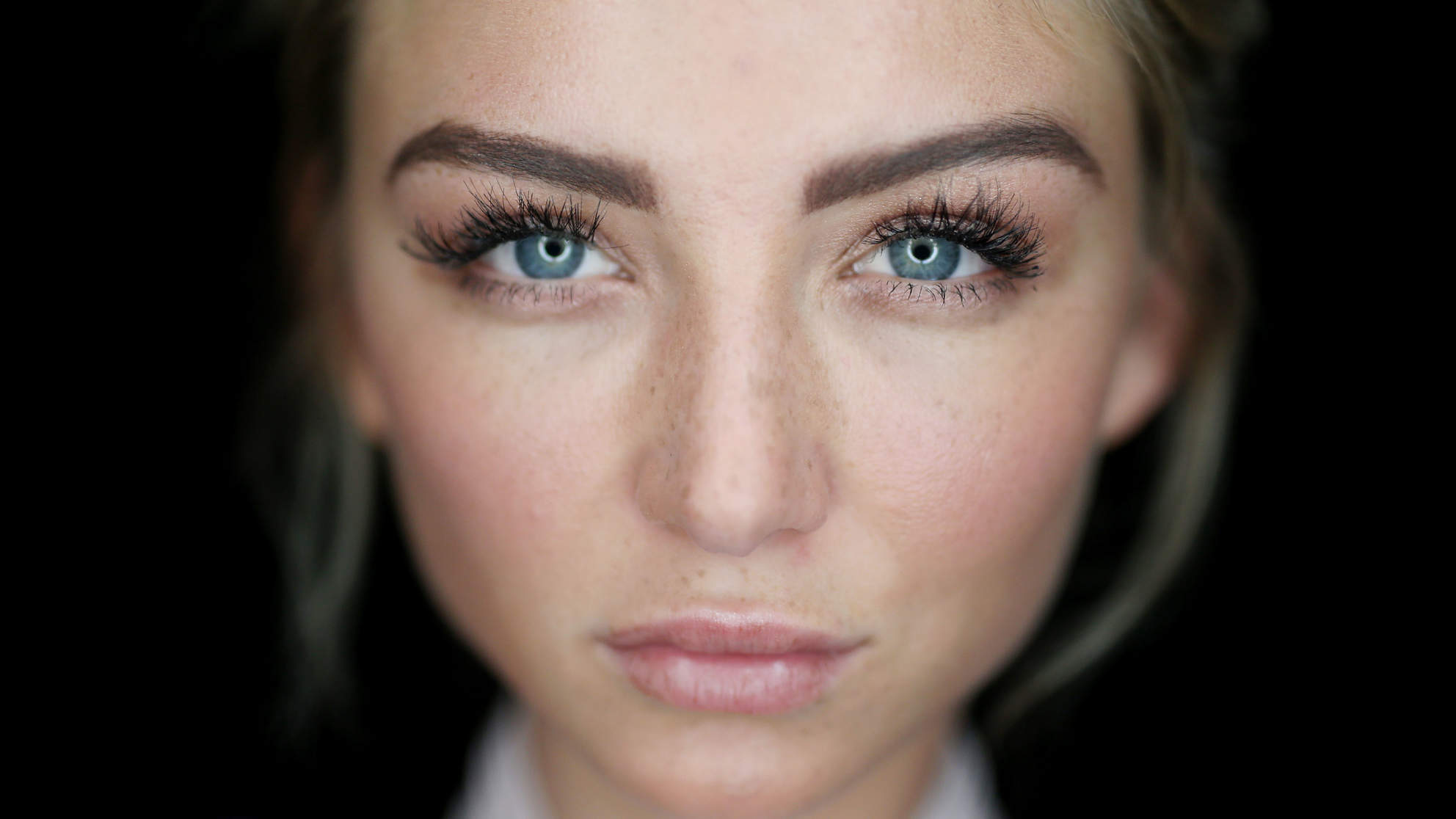 The Eyelash Serum All of Your Facebook Friends Are Talking About