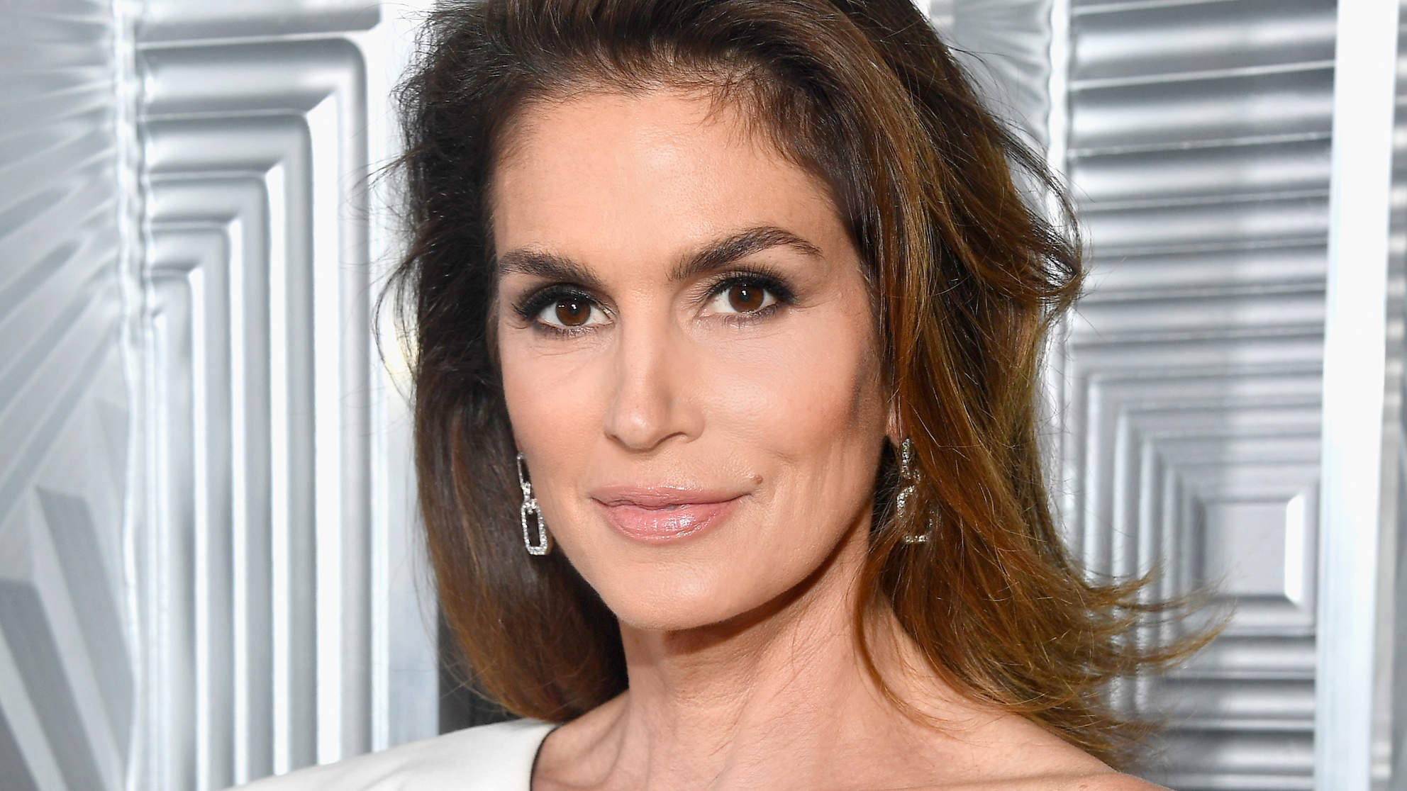 Cindy Crawford Gets Candid AboutAging and the Pitfallsof Modeling