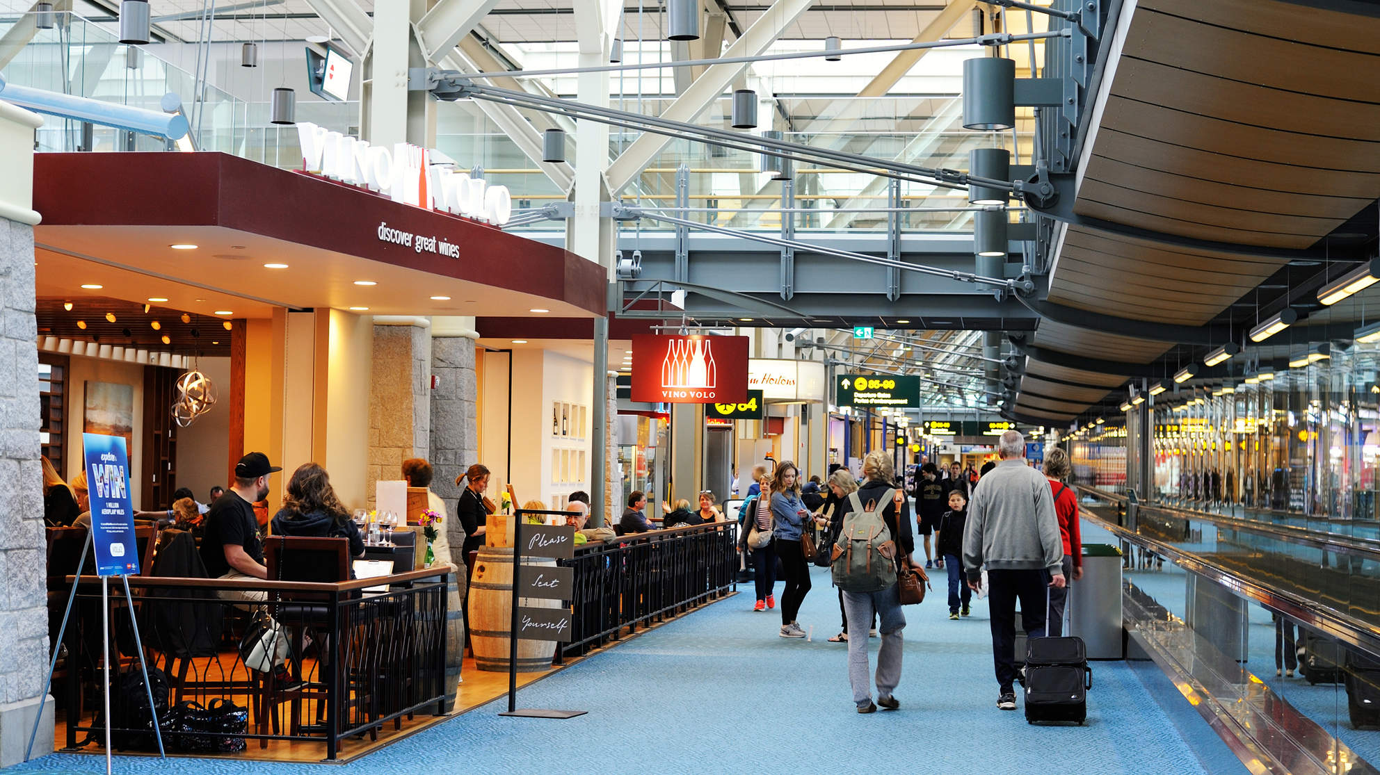 Here's What Food You Should NEVER Buy at an Airport