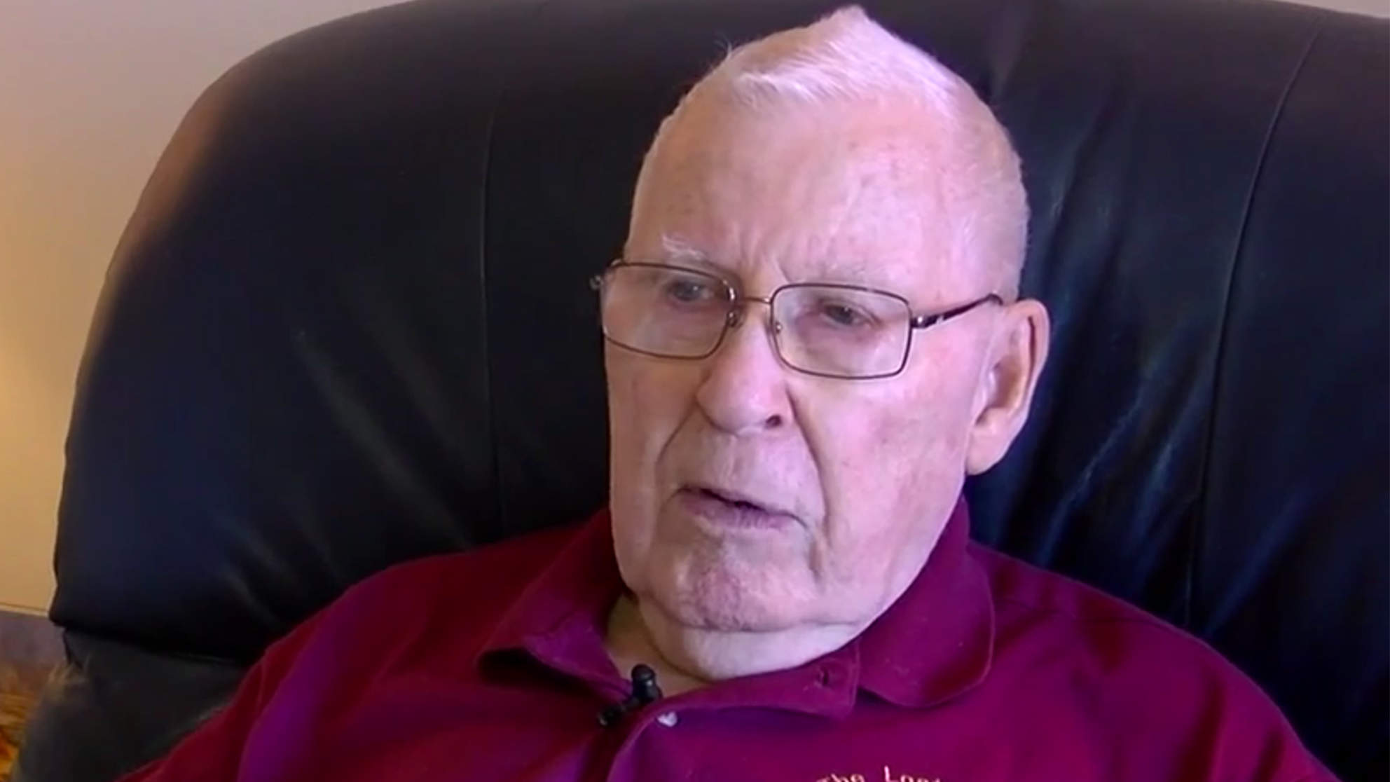This 87-Year-Old Man Is Searching for a Job to Pay for Wife's Medical Bills