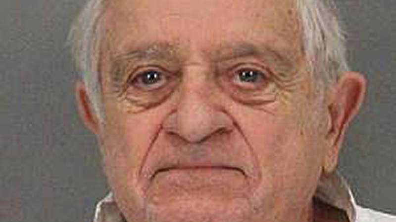 Fitbit Links 90-Year-Old Man to His Stepdaughter's Stabbing Death: Police