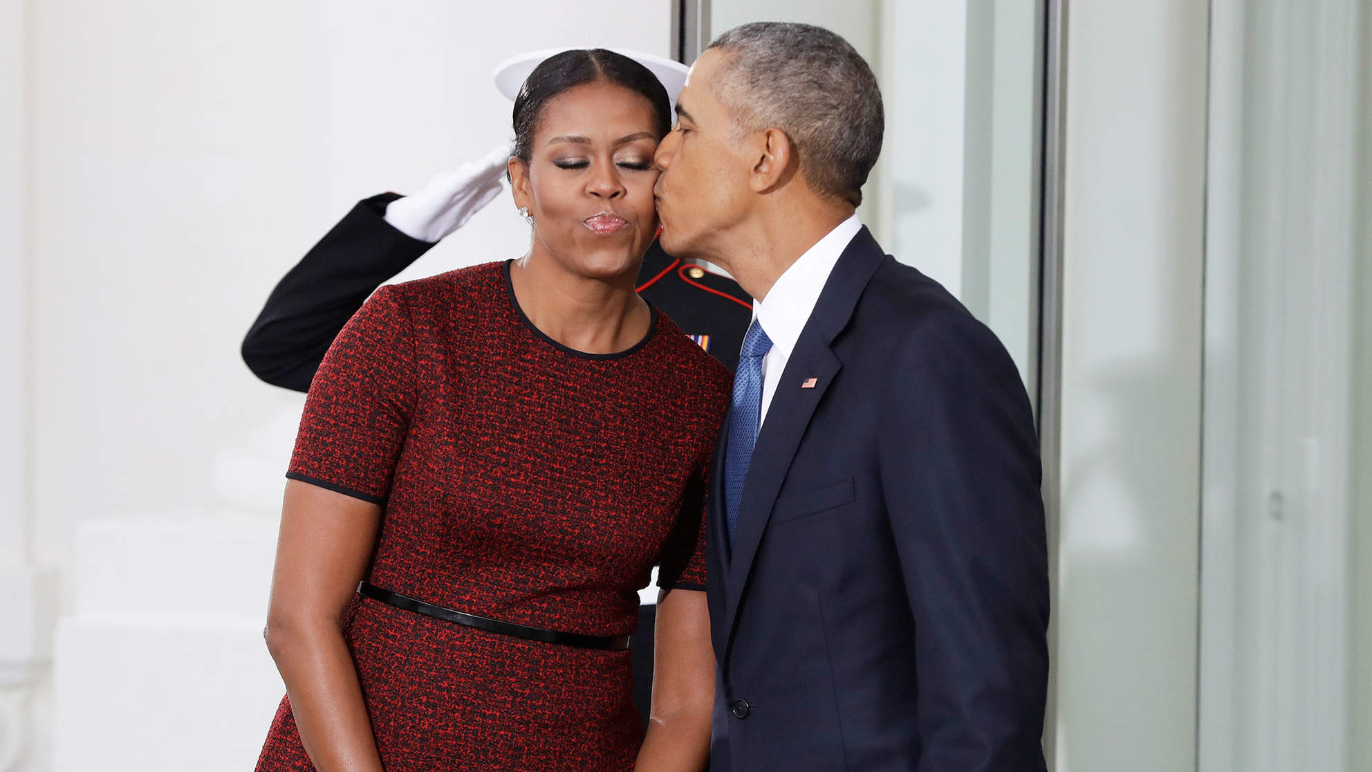 Barack Obama's Birthday Gift and Message to Wife 'Miche' Will Make You Swoon