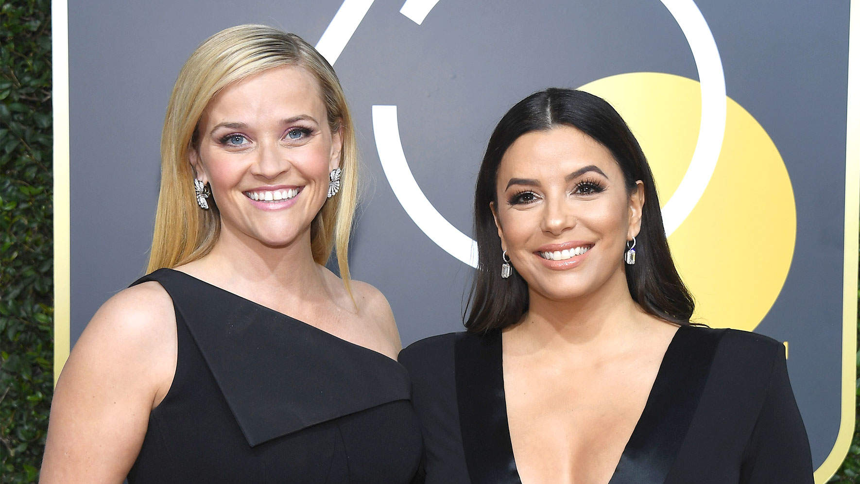 Reese Witherspoon and Pregnant Eva Longoria Walk Golden Globes Red Carpet Together - in Black