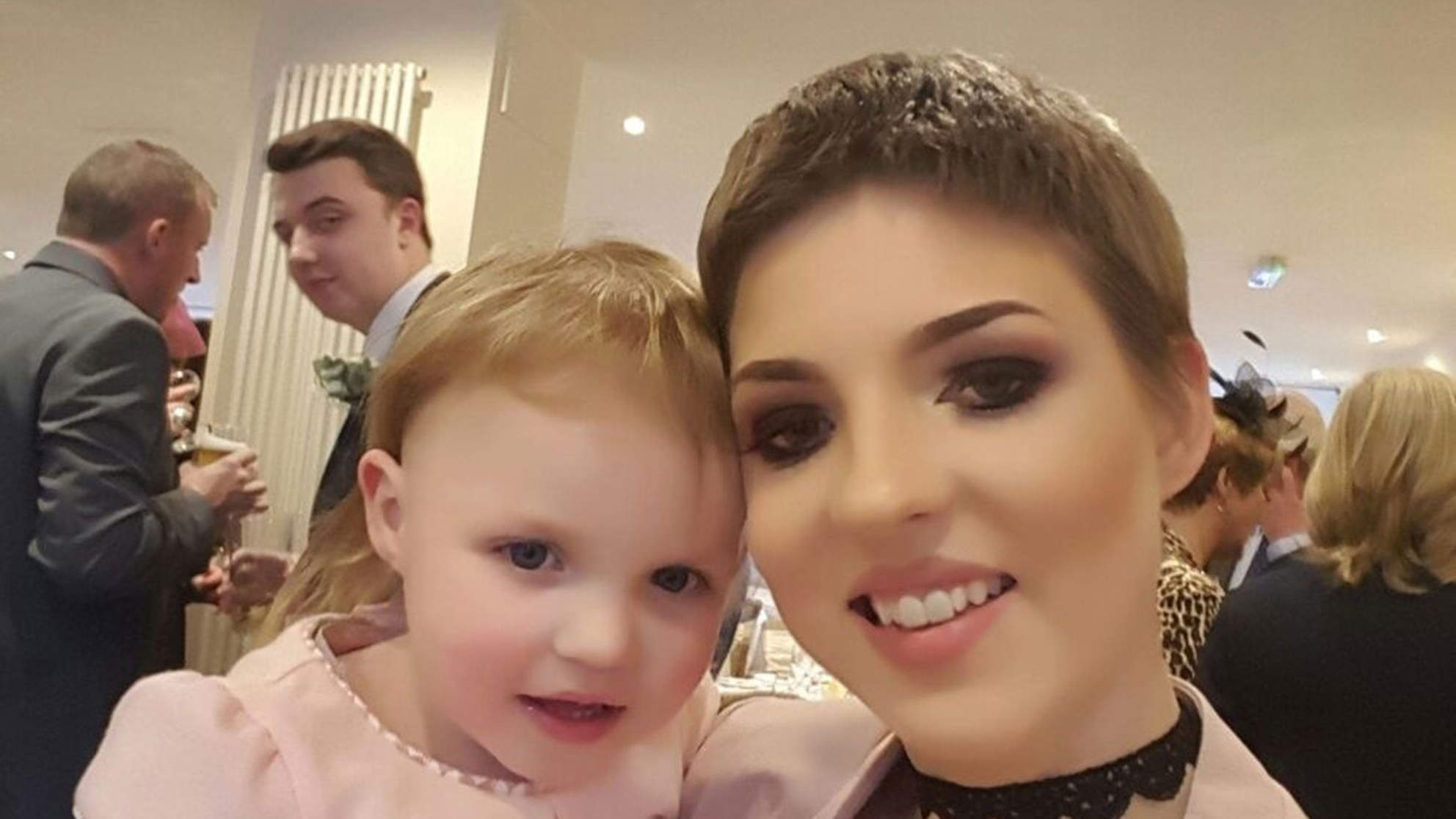 Mom Who Delayed Cancer Treatment to Deliver Her Daughter Dies at 29