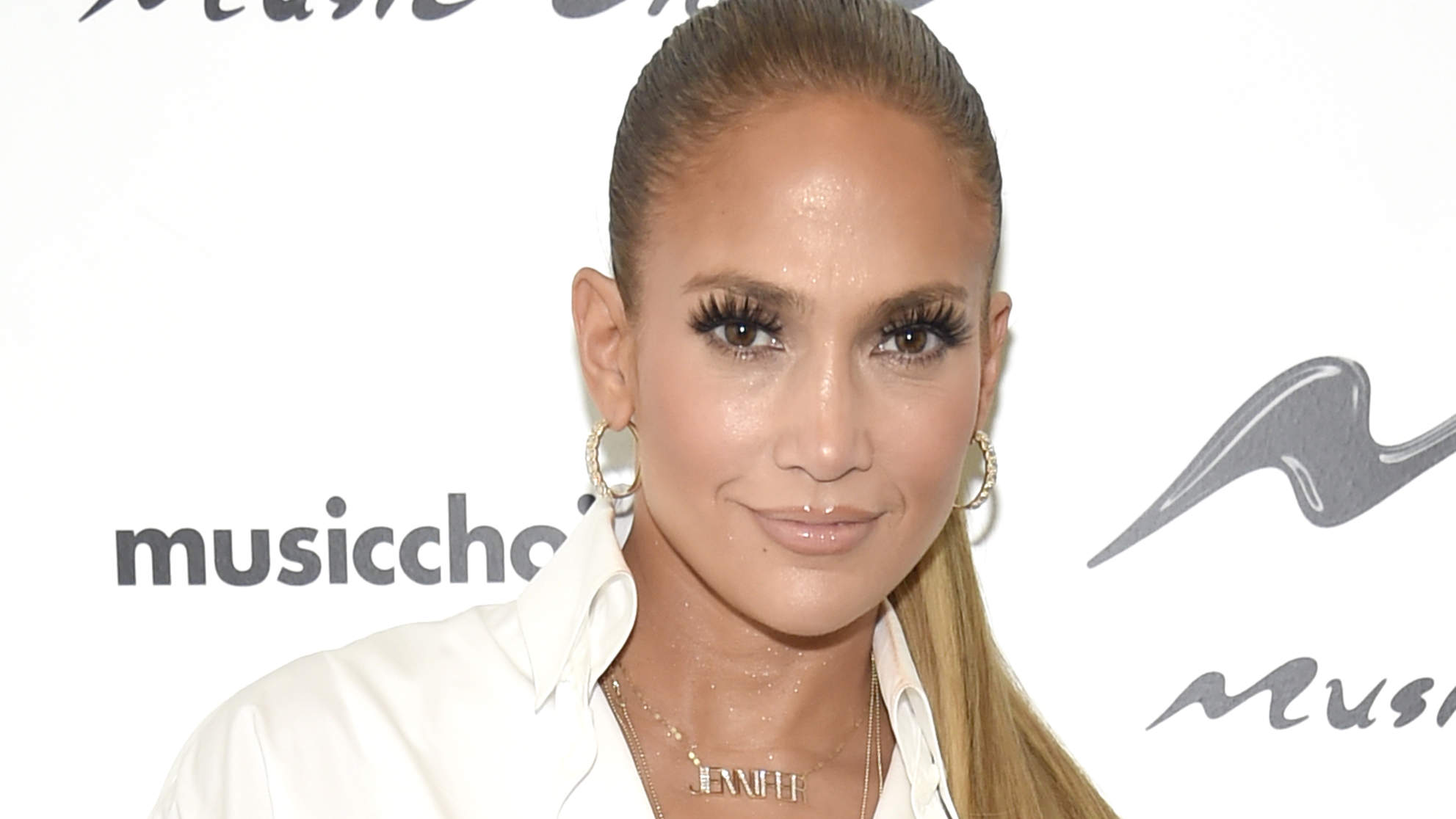 Jennifer Lopez Lifting Weights on a Yacht Is the Most Extra Thing You'll See Today