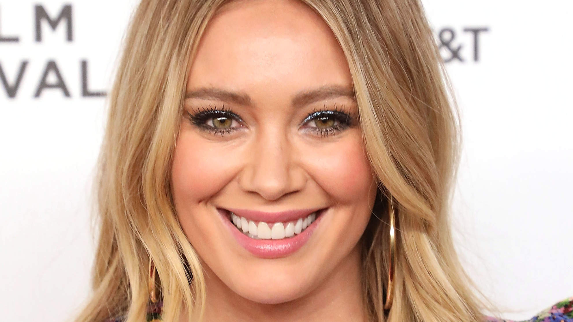 Hilary Duff Just Got the '70s Haircut You're About to See Everywhere This Summer